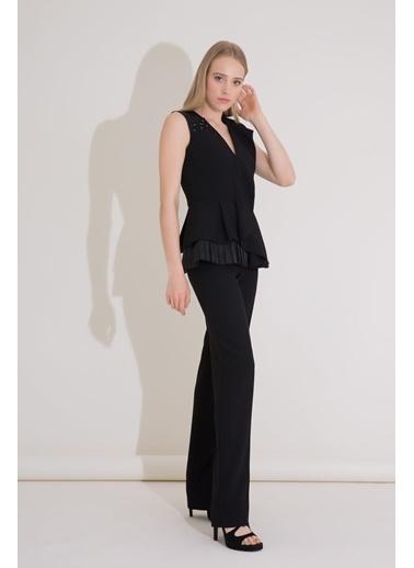 GIZIA Işleme Ve Pilise Detaylı Siyah Peplum Bluz Siyah